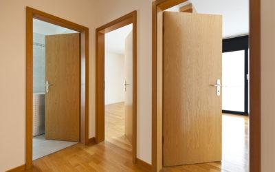 Porte per interni laccate, in laminato, in vetro